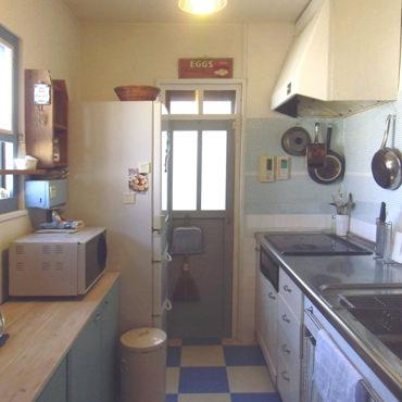 キッチンを爽やかな青に