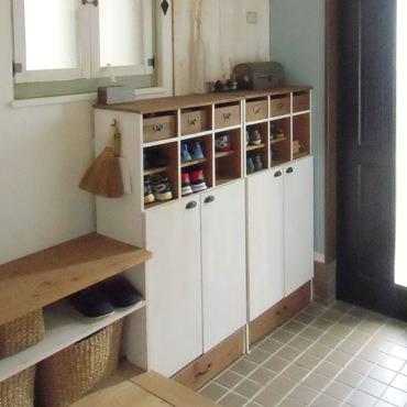 出し入れ簡単 オープン棚の靴箱