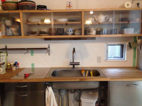 1. キッチンパネルを貼る前です。