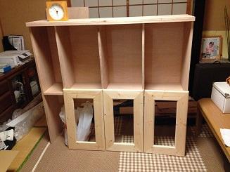 STEP.2 上棚です。 扉は1×4で作成しました。トリマーで縁取りも。