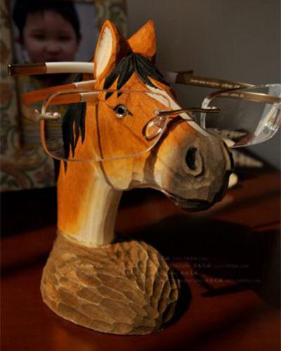 【Neustadt】ハンドメイド 木製 お馬さんの メガネスタンド