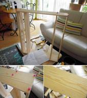 2. 軽くしたかったので7mmの杉板を使いました。 ボンドと隠し釘で組み立てました。