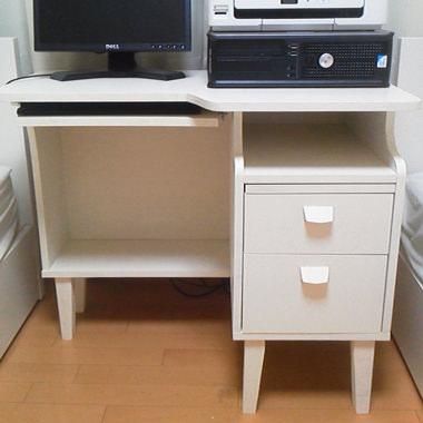 隙間にぴったりパソコンデスク