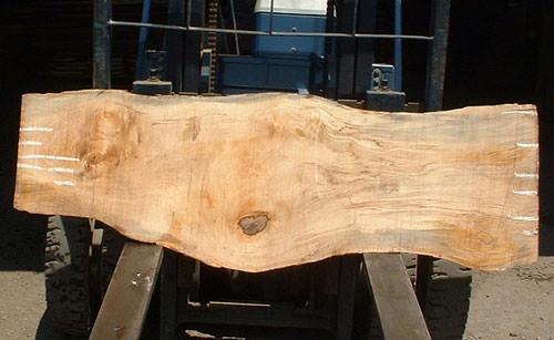 2. 無垢の板を購入しここからテーブル造り 橡の荒材