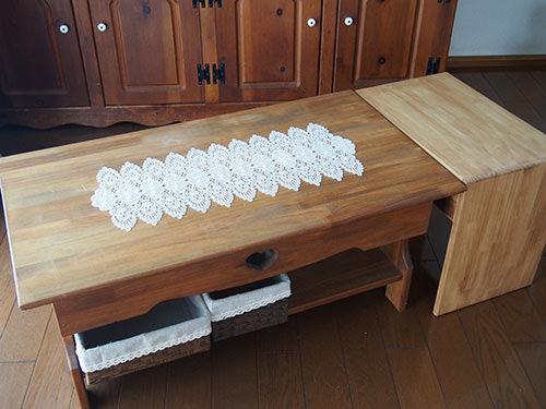 STEP.3 サイドテーブルのときは コの字型で使用しますが 下向きに変えることで 以前作ったセンターテーブルと高さと幅を合わせてあるので 広く使うこともできるよう工夫しました。