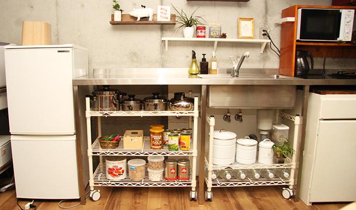 すきまを使ってキッチン収納の増量計画!<br />スチールラックをオーダーしてみた
